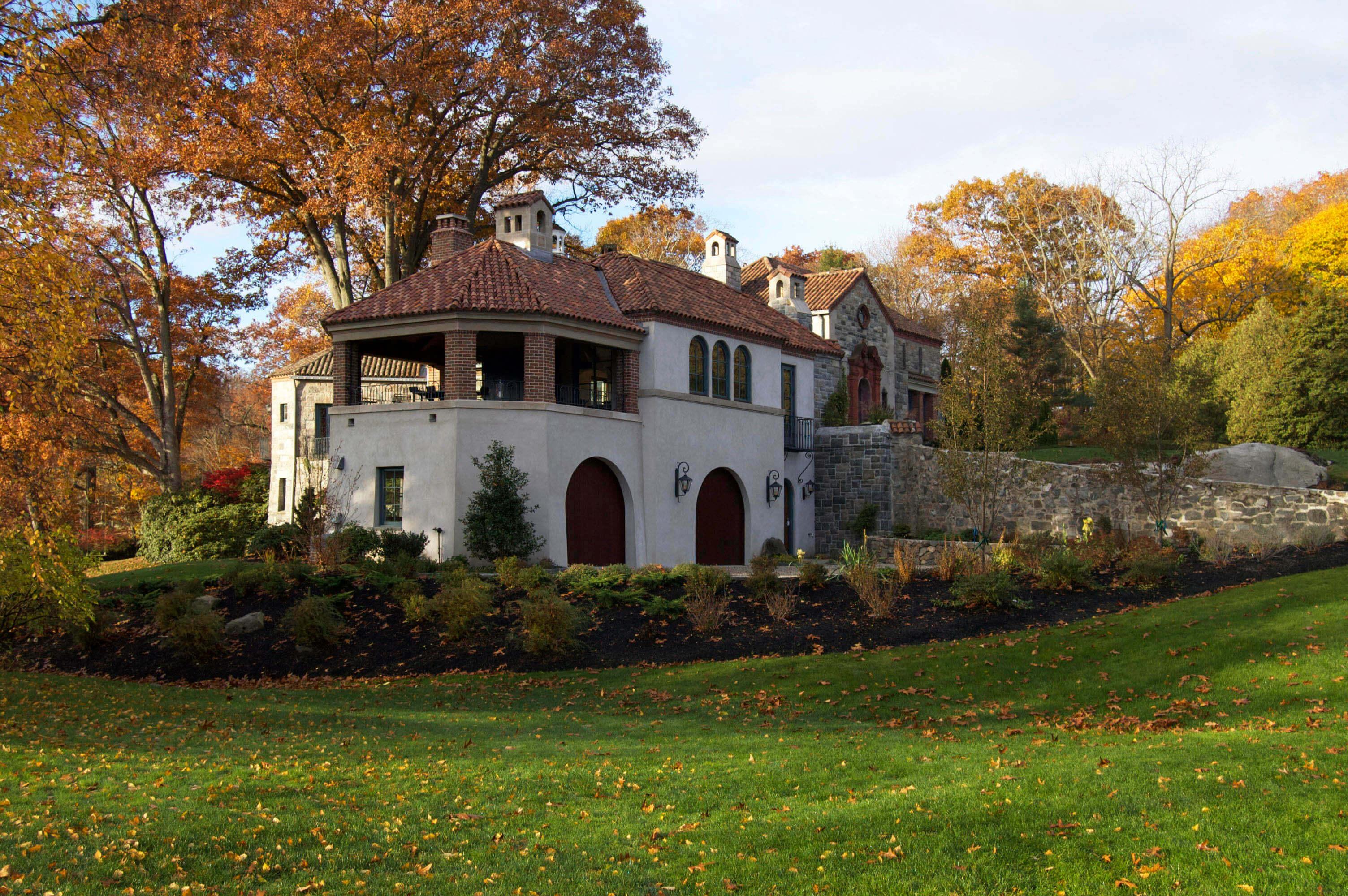 Spanish Style Villa - Archecture