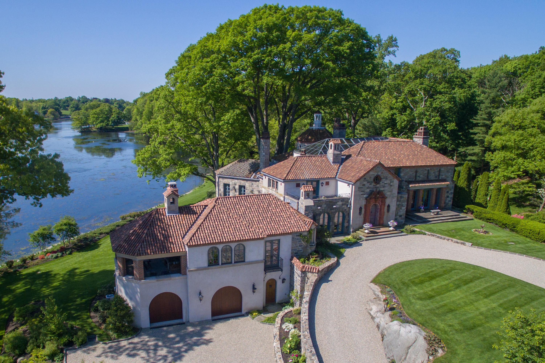 Spanish Revival Villa - Architect